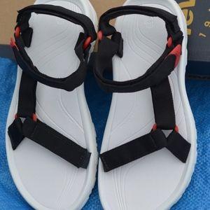 TEVA/W HURRICANE XLT/Sz 9/ 40/Athletic Sandal New